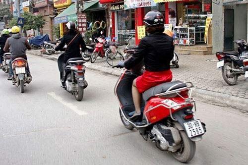 Xe máy - Kinh nghiệm lái xe máy an toàn và tiết kiệm xăng