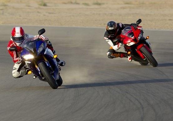 Xe máy - Nguyên tắc vàng để lái xe máy an toàn