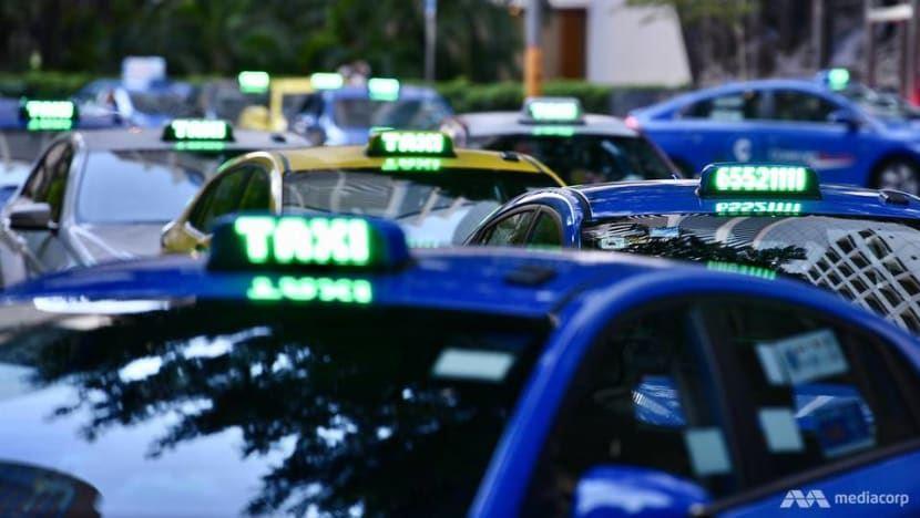 COVID-19 khiến nhiều người e ngại giao thông công cộng, dịch vụ gọi xe lên ngôi